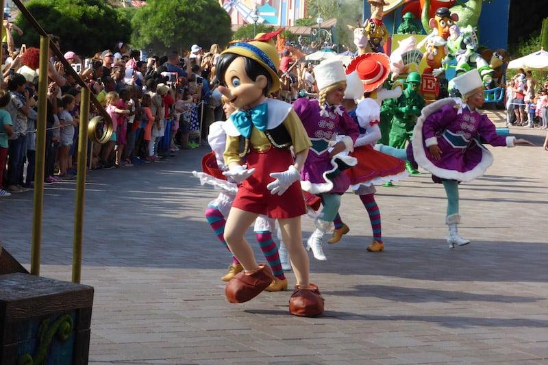 Disney - parade_1