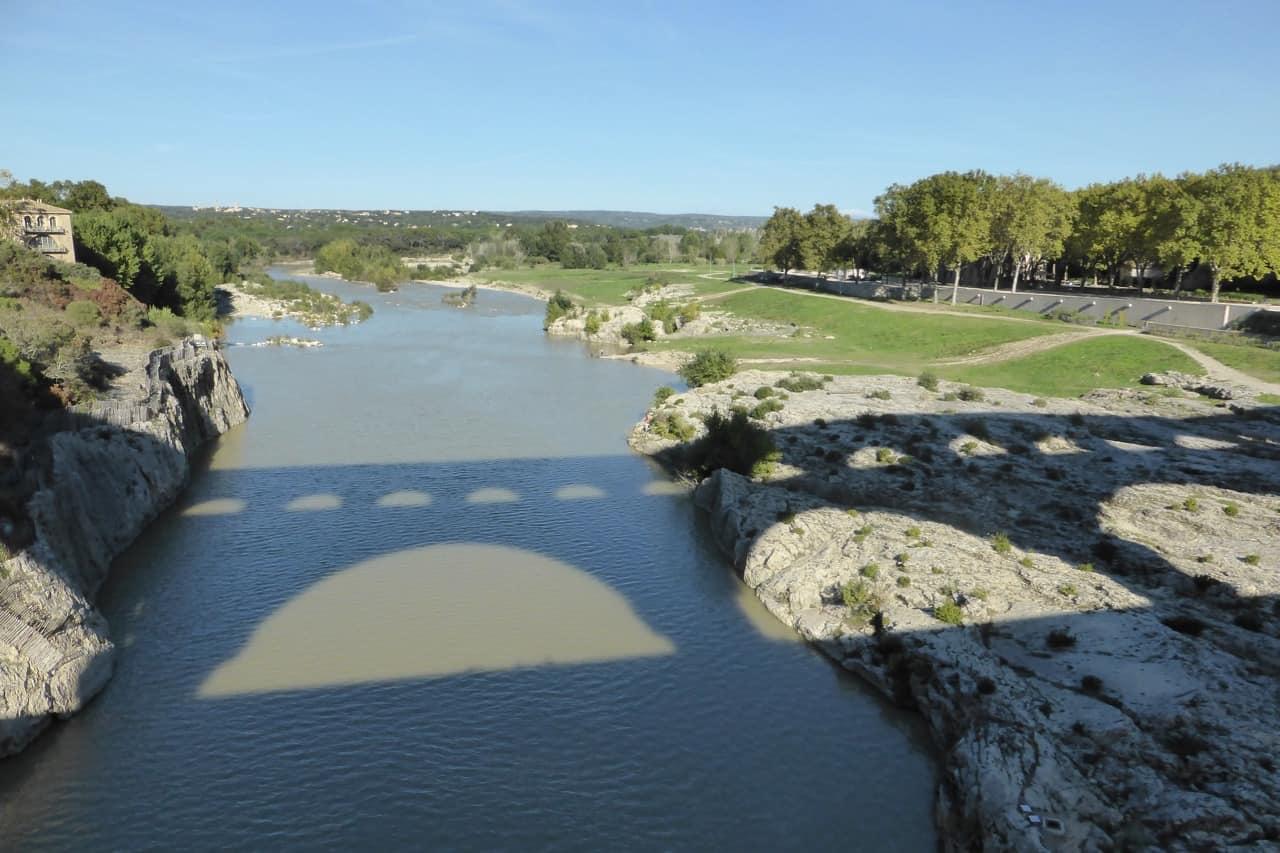 Pont du Gard - silhouette in river