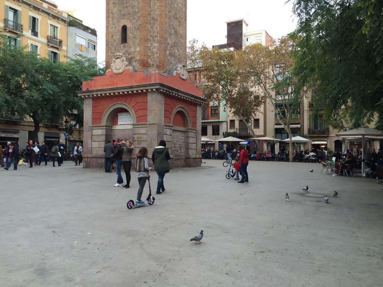 Barcelona: Placa de la Villa de Gracia