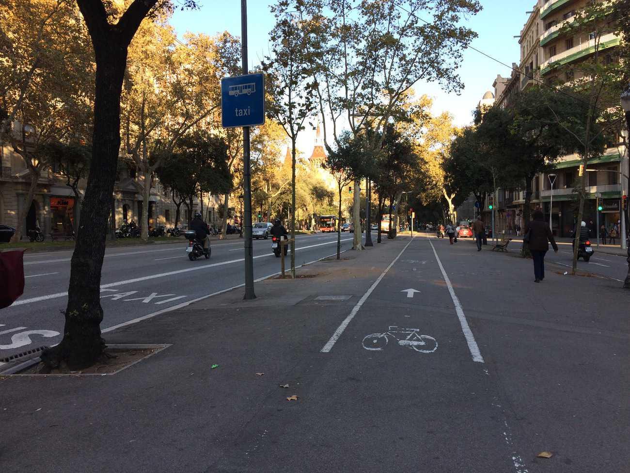 Barcelona - wide streets