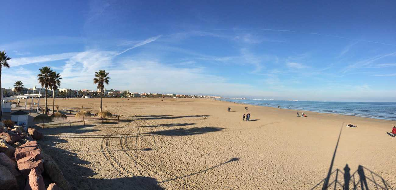 Valencia - the beach on Boxing Day